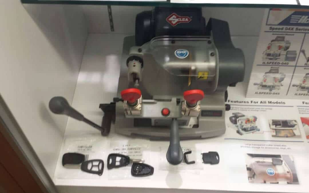 Professional Locksmith Offers Car Keys Made